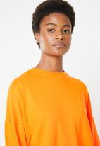 Missguided - Oversized long sleeve sweater dress - orange