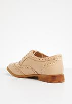 Superbalist - Basic lace-up brogue - neutral