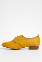 Superbalist - Louise brogue - mustard