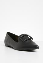 Superbalist - Buckle detail loafer - black