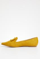 Superbalist - Buckle detail loafer - yellow