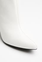Superbalist - Sade cone heel boot - white