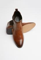 Superbalist - Neil chelsea boot - tan