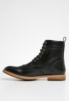Superbalist - Grayson brogue detail boot - black