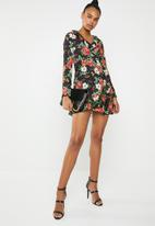 Missguided - Ruffle tea dress - black
