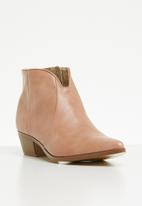 Jada - Cowboy pointed ankle boot - pink