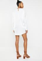 Missguided - Oversized overlay dress - white
