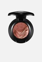 MAC - Extra dimension eye shadow - amorous alloy