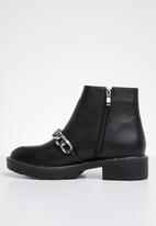 Public Desire - Stride boot - black