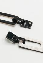 Superbalist - Zula drop earrings - black & silver