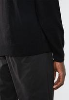Superbalist - Basic V-neck slim fit knit - black