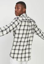 Cotton On - 91 flannel check shirt - white & black