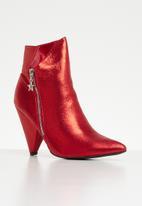 Footwork - Darinka ankle boot - red
