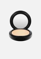MAC - Studio fix powder plus foundation - nc20