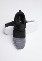 Brave Soul - Kevin lace up sneakers - black & white