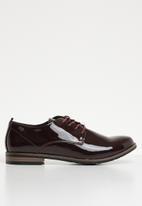 Miss Black - Lace up derby shoe - burgundy