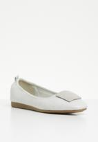 Butterfly Feet - Selby pump - grey