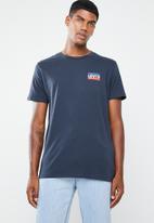 Levi's® - Sportswear logo graphic SSNL tee - navy