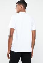 Levi's® - Sportswear logo graphic SSNL tee - white