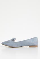 Butterfly Feet - Fortune bow detail flat loafer - blue