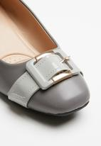 Butterfly Feet - Autumn front buckle block heel - grey