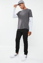 Brave Soul - Binate tee - charcoal & grey