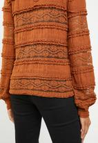 ONLY - Marjorie lace and ruffle top - brown