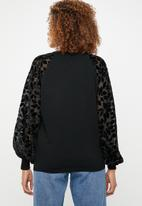 ONLY - Rosy knit with burnout sleeve - black