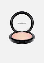 MAC - Extra dimension skin finish - beaming blush