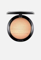 MAC - Extra dimension skin finish - oh darling