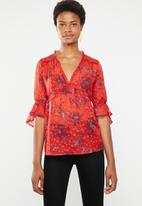 ONLY - Celine V-neck blouse - red