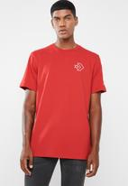 Converse - Lined star chevron tee - red
