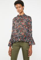 Brave Soul - Floral blouse with ruffle hem - blue