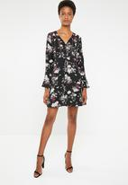 Brave Soul - Flare sleeve floral dress - black