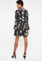 Brave Soul - Flare sleeve floral dress - black