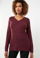 edit - Essential ribbed v neck jersey - red