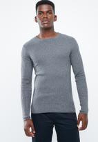 Superbalist - Slim fit ribbed crew neck knit - grey