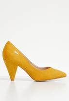 Plum - Genie cone heel pump - yellow