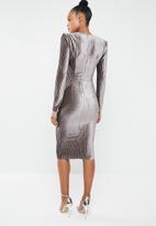 Missguided - V plunge dress - grey