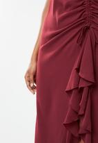 Missguided - Ruched side midi dress - red