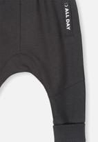 Cotton On - Shelby slouch trackpant - black