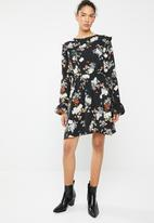 Brave Soul - Long sleeve pleat and ruffle floral dress - black