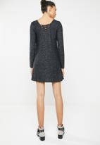 Brave Soul - Long sleeve dress with crisscross back - charcoal