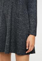 Brave Soul - Long sleeve dress with crisscross back - charcoal