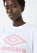 Umbro - Umbro boyfriend fit logo tee - white