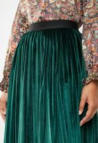 Superbalist - Velour pleated skirt - green