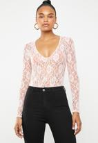 Missguided - Lace deep plunge long sleeve bodysuit - pink