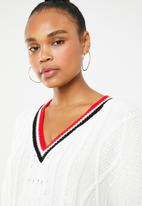Missguided - V-neck cable knitted tipped jumper dress - cream
