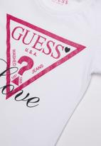 GUESS - Love tri tee - white