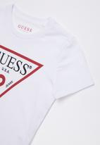 GUESS - Short sleeve core triangle tee - white